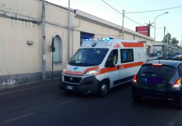 Santa Maria la Strada, incidente tra auto e scooter: un ferito lieve