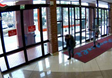 Rapinarono gioielleria ai Portali: tre arresti VIDEO