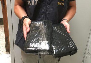 Catania: beccato corriere con oltre 2 kg di cocaina per un valore di circa 200.000 euro