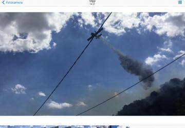 Giarre, vasto incendio in collina a Macchia. Un secondo incendio a Marina di Cottone VIDEO