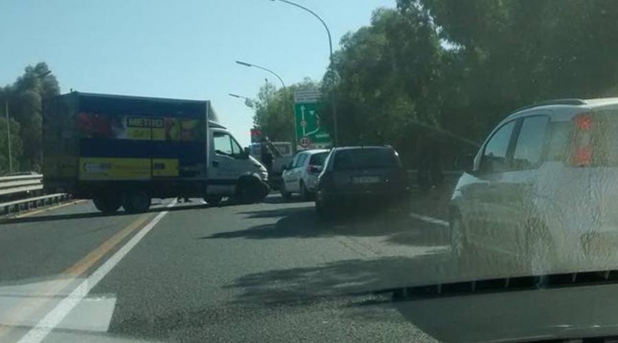 A18, incidenti a pochi metri da S.Gregorio: lunghe file