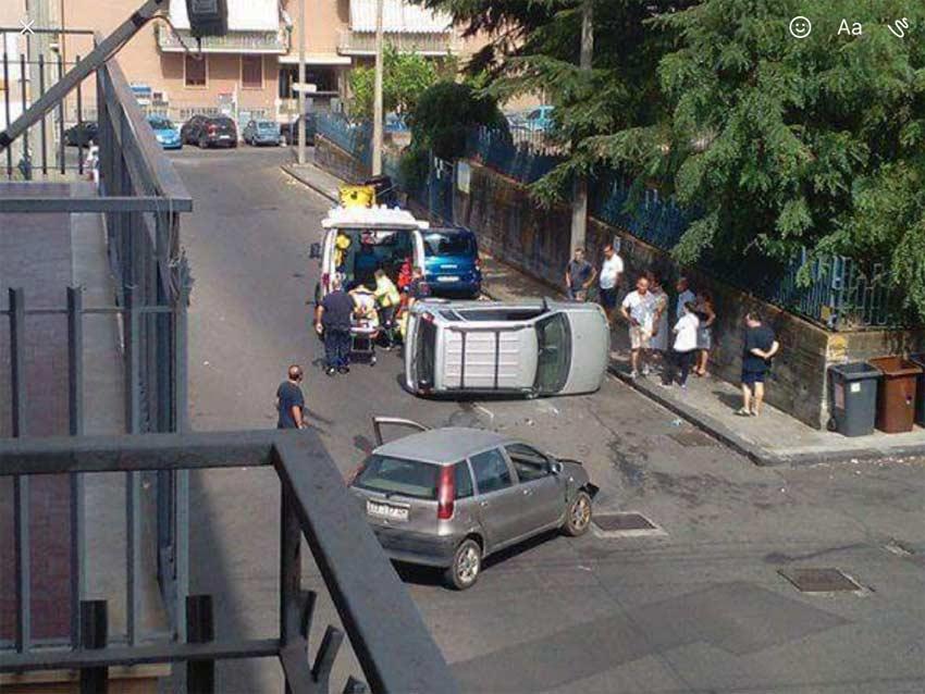 Giarre incrocio via gioberti nuovo incidente auto si ribalta - Incidente giardini naxos oggi ...