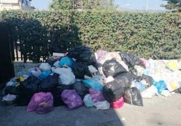 Mascali e raccolta differenziata: segnalato un condominio inadempiente