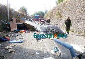 Terribile incidente a Miscarello: si schianta un camper. Intervento dell'elisoccorso VD