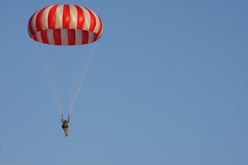 Paracadutista 37enne si schianta al suolo a Caltagirone
