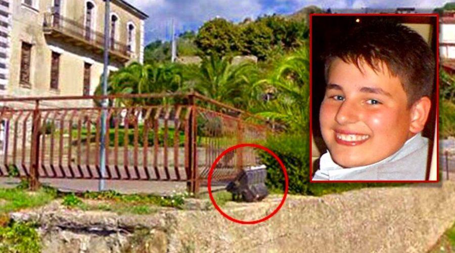 Messina, due indagati per la morte del ragazzo fulminato da un faretto