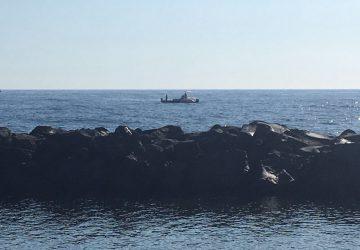 Barca cola a picco. Disperso pescatore di Riposto VIDEO-FOTO