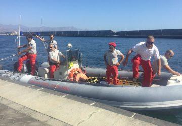 Riposto, barca affondata: nessuna notizia del pescatore inghiottito dal mare  VIDEO