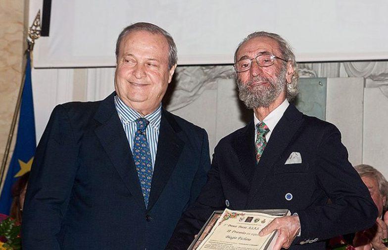 Il premio Asas al poeta acese Biagio Fichera