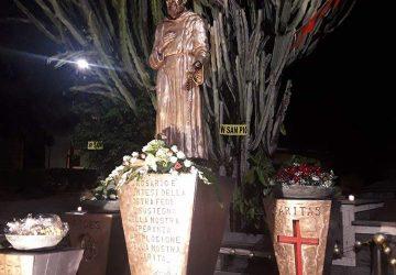 Mascali, risplende il simulacro di San Pio in piazza VI Novembre