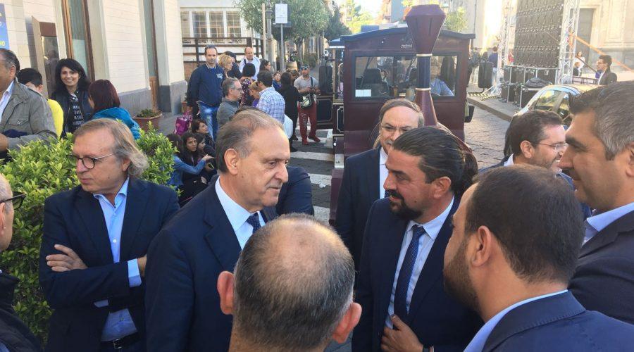 """Barbagallo incontra la sua gente a Zafferana. Lorenzo Cesa, segretario Udc: """"la nostra politica radicata sul territorio"""" VIDEO"""