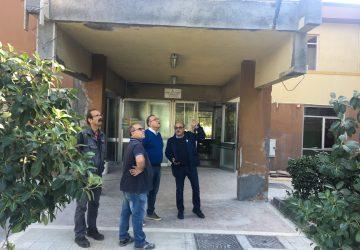 Riposto, al via la messa in sicurezza della Media Pirandello: ricognizione del sindaco Caragliano