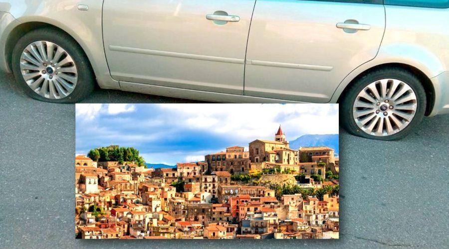 """Turisti """"appiedati"""" a Castiglione di Sicilia. Il sindaco Camarda: «Qualche mentecatto danneggia l'immagine della nostra comunità»"""