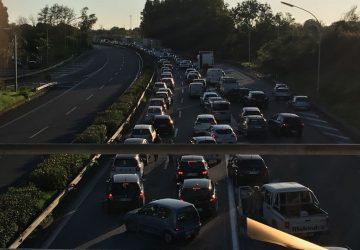 Diversi incidenti, traffico in tilt sulla A18 direzione Catania, Tangenziale e viale Mediterraneo