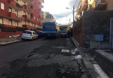 Giarre, bimbo investito da un'auto in via Luigi Orlando