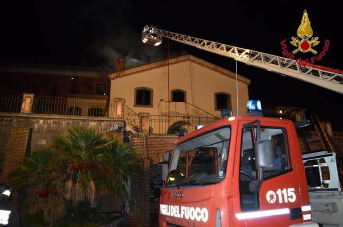 Castiglione di Sicilia, incendio al centro Il Picciolo Etna Golf Resort
