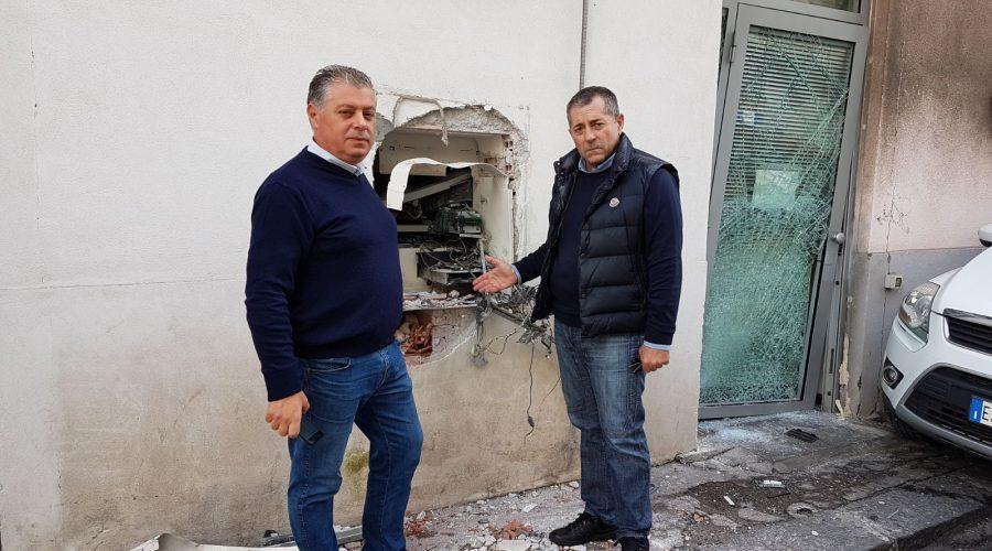 Aci Castello: altro furto del bancomat delle Poste di Ficarazzi. Il sindaco Drago rinnova il grido di allarme