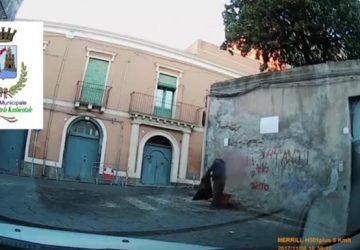 Acireale, video inchioda gli incivili nel centro storico. Fioccano le sanzioni