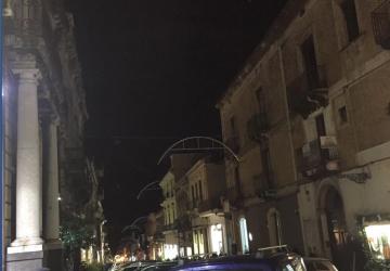 Giarre, sabato sera sabotato il quadro elettrico della pubblica illuminazione in corso Italia