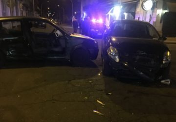 Giarre, terribile impatto tra due auto in via Alfieri. Intervento dei vigili del fuoco VIDEO
