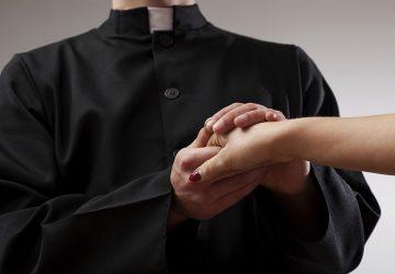 Catania, abusava di minori sin dal 2014: in manette padre Pio Guidolin