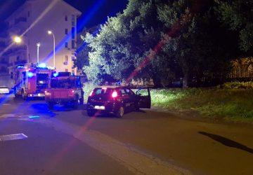 Riposto, a fuoco una Fiat Punto in via Genova