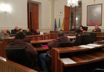 Riposto, i consiglieri fanno le pulci alla relazione del sindaco
