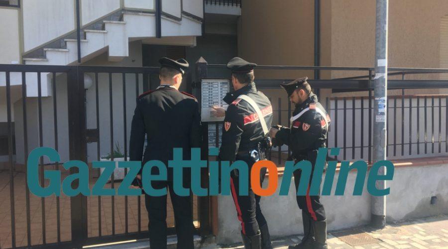 Giarre, blitz antidroga dei carabinieri in via Romagna. A Torre Archirafi scoperto laboratorio: sequestrati 2 kg di coca e 13 kg di marijuana VIDEO
