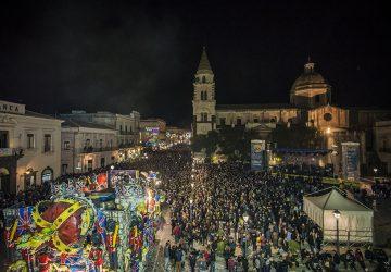 Acireale, ennesimo successo per il «Più Bel Carnevale di Sicilia». La classifica dei carri