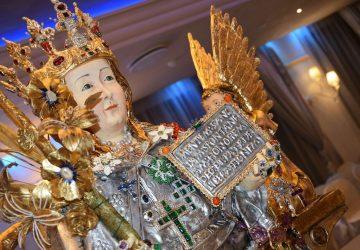 Catania: busto di Sant'Agata in cake design nella chiesa di Sant'Agata la Vetere