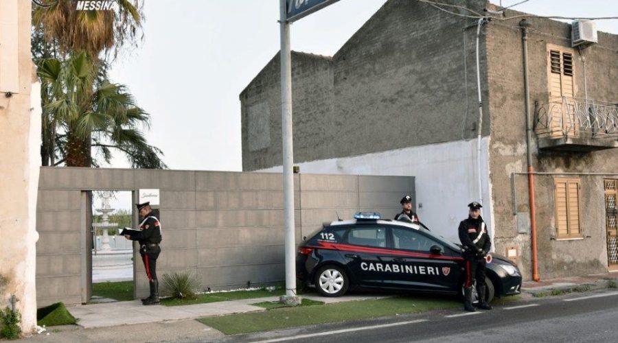 Danno fuoco ad un locale per ripicca ma uno rischia di essere arso vivo: arrestati
