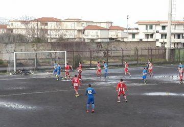 Russo Calcio, pomeriggio da dimenticare contro l'Acicatena!