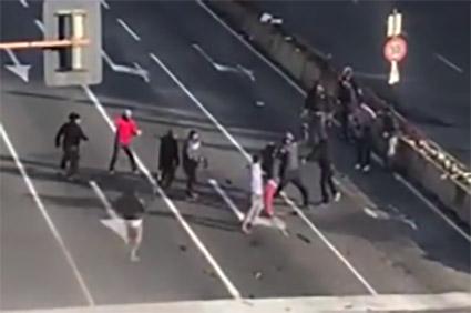 """Catania, controlli serrati della polizia, nel mirino i """"lavavetri"""""""