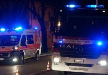 Riposto, anziana cade in casa, soccorsa da vigili del fuoco e 118