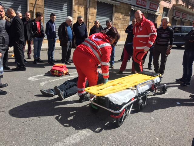 Giarre, anziano pedone travolto da una Opel Meriva in corso Lombardia