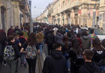 La carica degli studenti: rivogliamo il pronto soccorso  VIDEO - FOTO RACCONTO