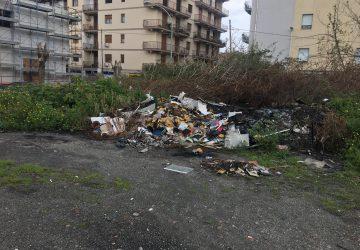 Giarre, discarica di via Teatro: aumentano i rifiuti ingombranti e quelli nocivi
