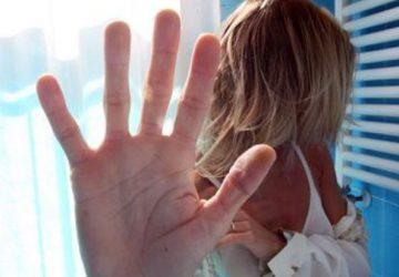 Riposto, dai domiciliari al carcere il sottufficiale della Marina che molestava la moglie