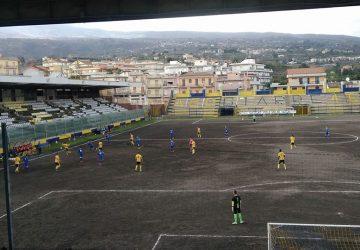 Giarre 6-1 Città di Ragusa. Vittoria contro i baby iblei. Contestazione dei tifosi