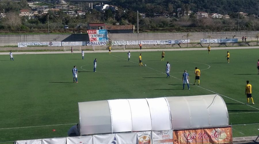 Città di S. Agata 2-1 Giarre. I gialloblù salutano i play-off