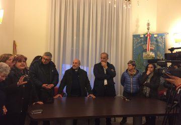 Calatabiano, istituzioni e cittadini uniti contro la chiusura dell'istituto Sacro Cuore