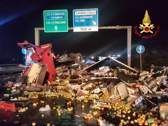 Incidente in tangenziale, traffico in tilt