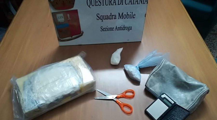 Acireale, in garage oltre 1 kg di cocaina. Arrestato 30enne