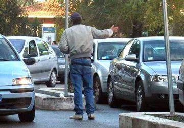 Catania, operazione della Polizia: nel mirino ancora i posteggiatori abusivi