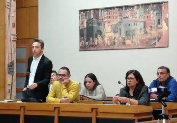 Giarre, il Consiglio si scioglie, nella piena consapevolezza della Giunta che, invece, rimane in carica?