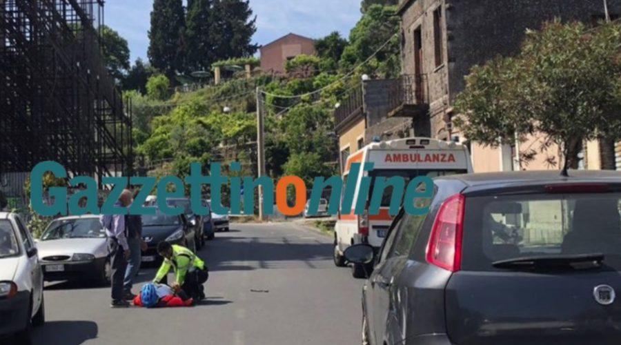 San Leonardello, ciclista perde il controllo schiantandosi contro una vettura:  soccorso dal 118