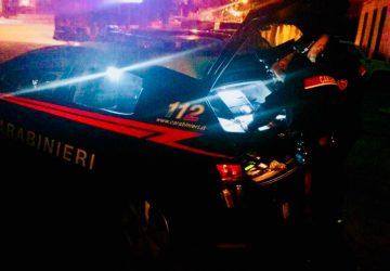 Paternò, tenta di accoltellare la convivente ed il figlio 12enne della donna: arrestato