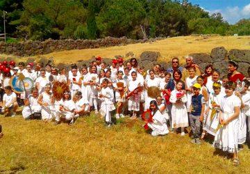 """Giardini Naxos: le piacevoli """"lezioni"""" di cultura ellenica della Pro Loco"""