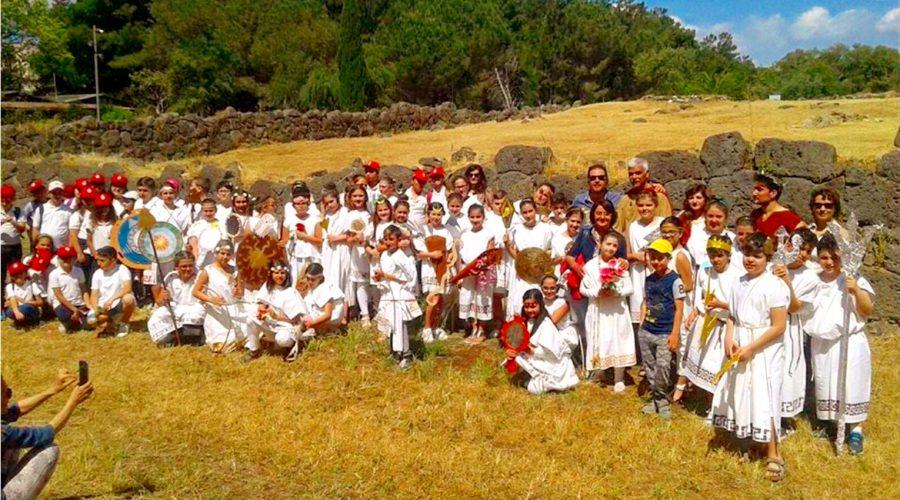 Giardini naxos le piacevoli lezioni di cultura ellenica for Pro loco taormina
