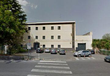 Acireale, principio di incendio in una cella del carcere minorile: un detenuto intossicato